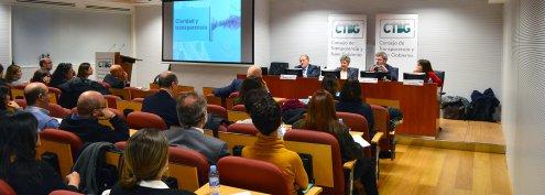 Imagen Coloquio: ¨Lenguaje administrativo y transparencia¨